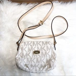 Michael Kors Small Jet Set Crossbody in Vanilla